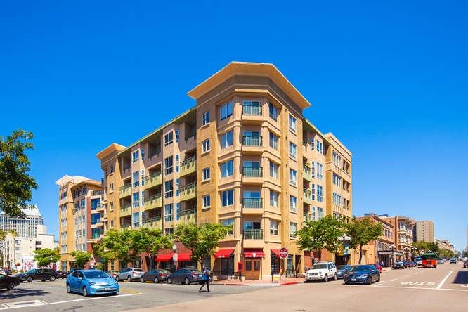 330 J St San Diego CA 92101-small-002-26-park terrace 302 25-666x445-72dpi