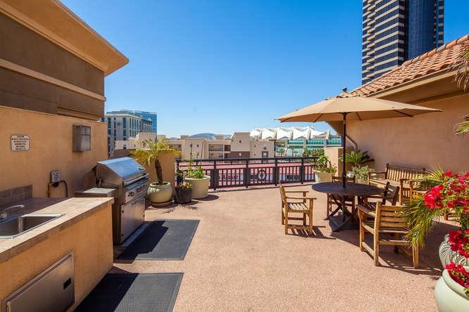 330 J St San Diego CA 92101-small-023-20-park terrace 302 19-666x444-72dpi