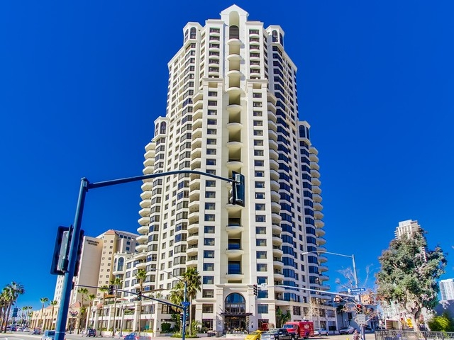 700-west-harbor-drive-902-053_mls