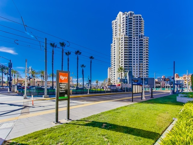 700-west-harbor-drive-902-055_mls